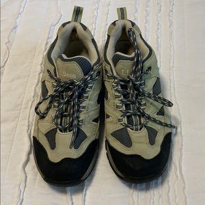 L.L. Bean Women's Gortex hiking sneakers size 9